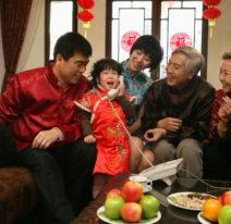 02-Familia-reunida-para-celebrar-o-Ano-Novo-Chinàs